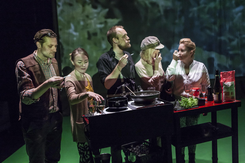 Mys med kändis moment:teater 2014